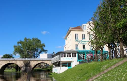 Hôtel L'Esturgeon : Hotel near Carrières-sous-Poissy