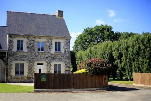 Gîte de Kerguichardet : Guest accommodation near Caurel