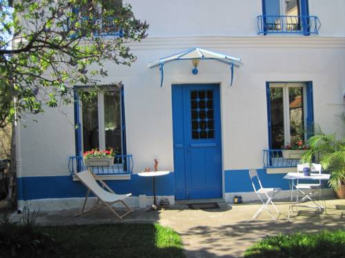 Le Jardin de Cécile et Benoit - Bed and Breakfast : Bed and Breakfast near Malakoff