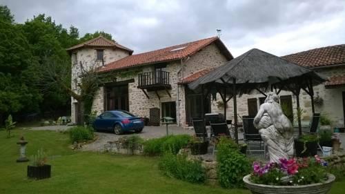 La Grange Ancienne : Bed and Breakfast near Javerdat