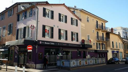 Bourg Centre Résidence : Guest accommodation near Péronnas