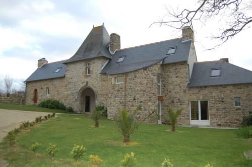 Gîtes du Manoir de Goandour : Guest accommodation near Crozon