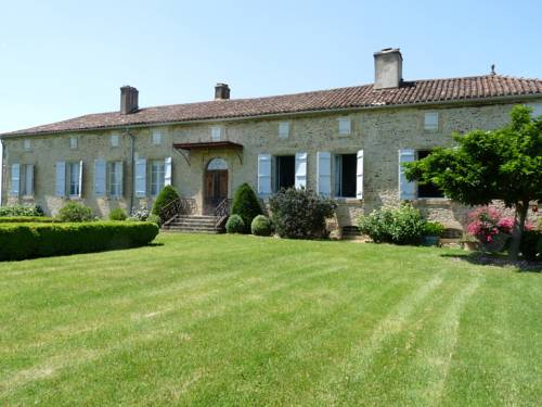 Le Pouy : Bed and Breakfast near Aignan