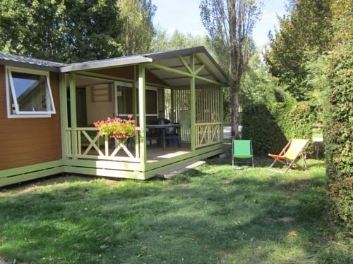 Camping Le Colporteur : Guest accommodation near Villard-Reymond