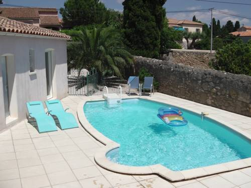 The Blue House : Guest accommodation near Aumes