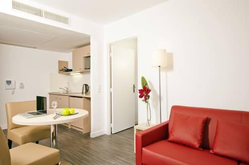 Residhome Nanterre La Défense : Guest accommodation near Carrières-sur-Seine