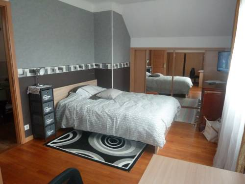 Chambre Coquette : Guest accommodation near Livry-Gargan