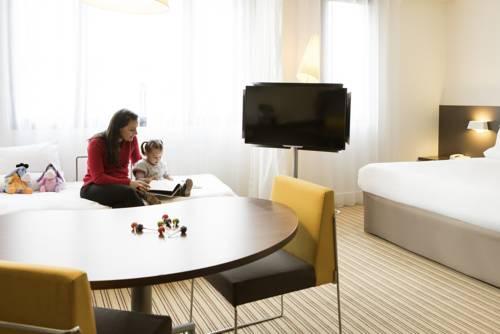 Novotel Suites Paris Rueil Malmaison : Hotel near Chatou