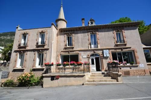 Hôtel Edelweiss : Hotel near Hautes-Alpes