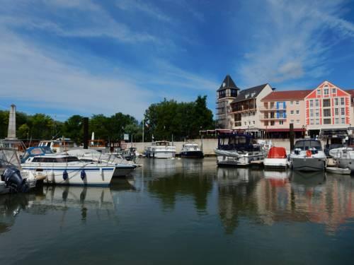 Appart Port Cergy : Apartment near Puiseux-Pontoise