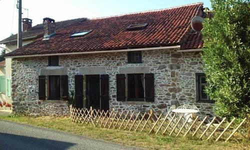 La Croix De Camargue : Bed and Breakfast near Javerdat