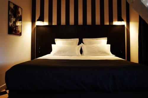 Hotel des Carmes : Hotel near Cantal