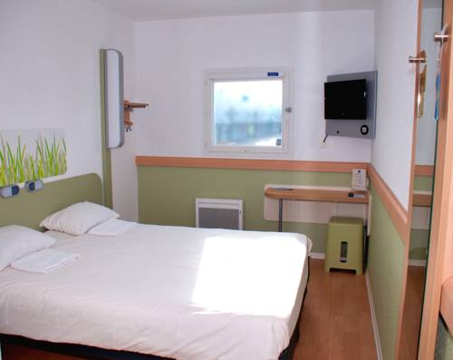 ibis budget Flers Grands Champs : Hotel near Saint-Georges-des-Groseillers