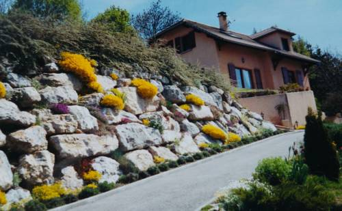 Les Roches Fleuries : Guest accommodation near Saint-Vincent-les-Forts