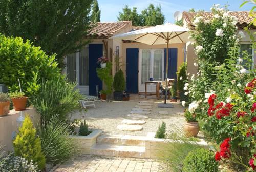 B&B Villa Viva Vitale : Bed and Breakfast near Sainte-Tulle