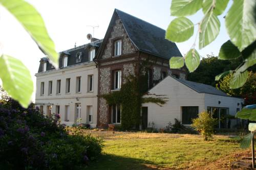 Les Sous Bois : Guest accommodation near Saint-Martin-du-Manoir