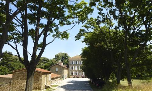 Chateau Chavagnac : Bed and Breakfast near Vion