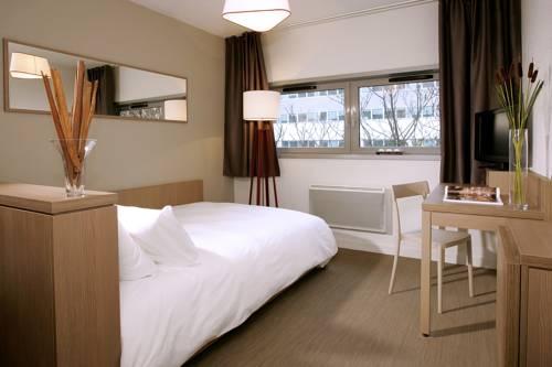 Appart'City Versailles Saint Cyr l'Ecole : Guest accommodation near Villepreux