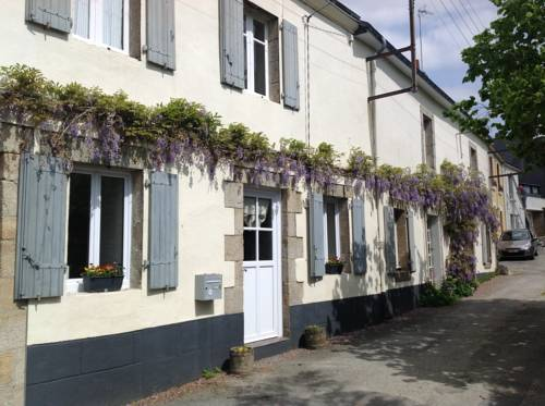 Holiday home 13 rue Jean Martin : Guest accommodation near Guémené-sur-Scorff