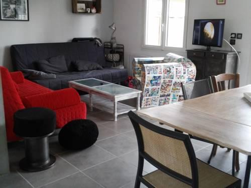 Maison De Vacances - Agon-Coutainville 2 : Guest accommodation near Agon-Coutainville