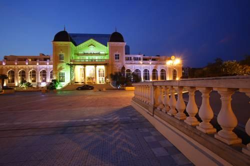 Casino Hôtel des Palmiers : Hotel near Hyères