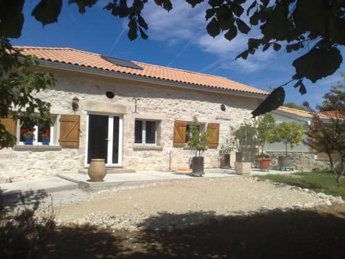 Corps de Ferme & Studios Indépendants : Guest accommodation near Aubiac