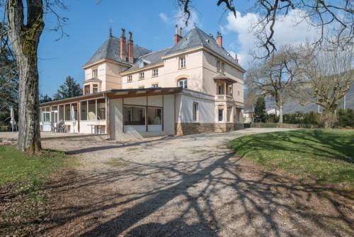 Domaine des Cèdres : Hotel near Villebois
