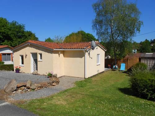 18 Village Le Chat : Guest accommodation near Saint-Estèphe