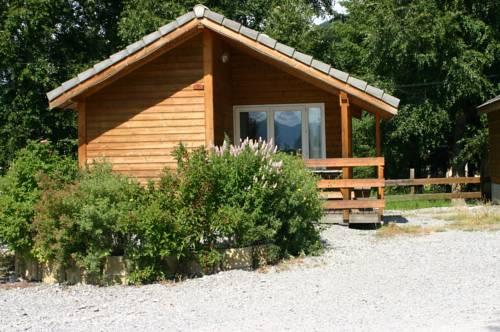 Camping la Pause : Guest accommodation near Saint-Léger-les-Mélèzes