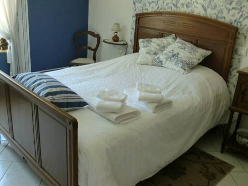 Chez Isa et Christophe : Bed and Breakfast near Herbeuval