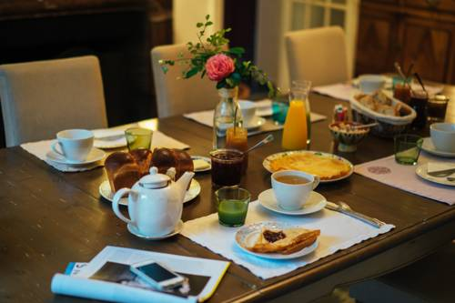 Le 14 St Michel : Bed and Breakfast near Saint-Malo-des-Trois-Fontaines