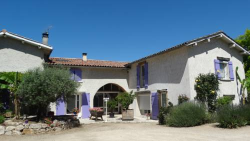 Les Glycines : Bed and Breakfast near Bellegarde-Poussieu