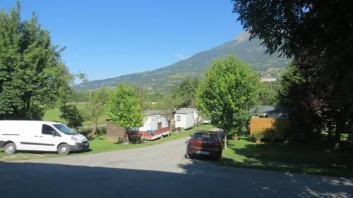 Camping la Tour : Guest accommodation near Saint-Sauveur