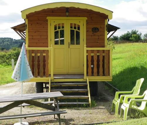 Les Roulottes des Korrigans : Guest accommodation near Botmeur