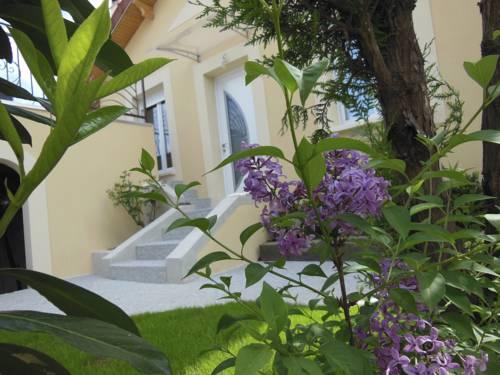 Gite Pres de Paris : Guest accommodation near Villeneuve-Saint-Georges