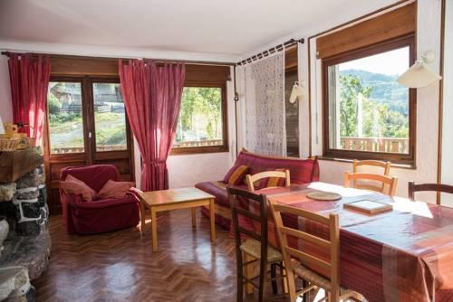 La Ferme : Apartment near Enchastrayes