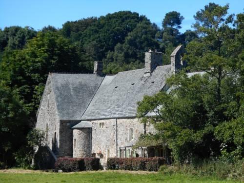 Prieure St Pierre de La Luthumiere : Bed and Breakfast near Brix
