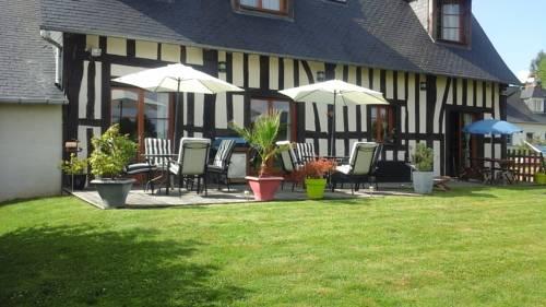 La Grange d'Isneauville : Guest accommodation near Saint-Martin-du-Vivier