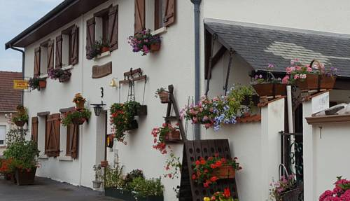 Le Trilogis : Bed and Breakfast near Contreuve