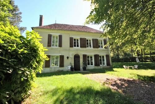 Gite Bourgogne : Guest accommodation near Alligny-Cosne