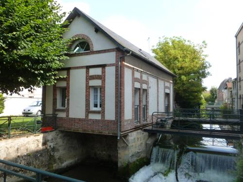 Gîte l'Atelier du Moulin : Guest accommodation near La Hauteville