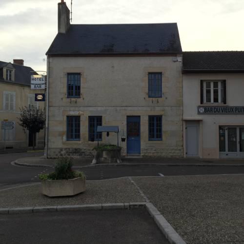 Hôtel du Vieux Puits : Hotel near Toury-sur-Jour