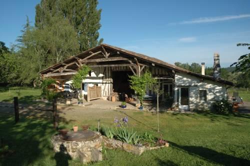 Les Prés de Ponteau : Apartment near Beauziac