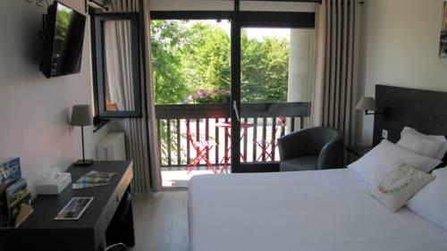 Logis hôtel Annecy nord / Argonay : Hotel near Aviernoz