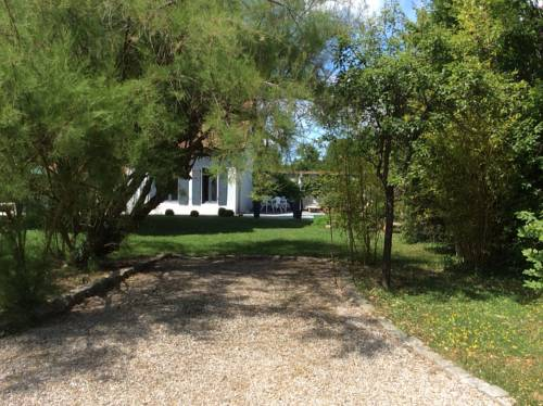 Clos Kerjuni : Bed and Breakfast near Espinasse-Vozelle