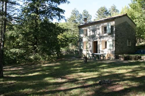 Le Bastidon de L'Escapade : Guest accommodation near Noyers-sur-Jabron
