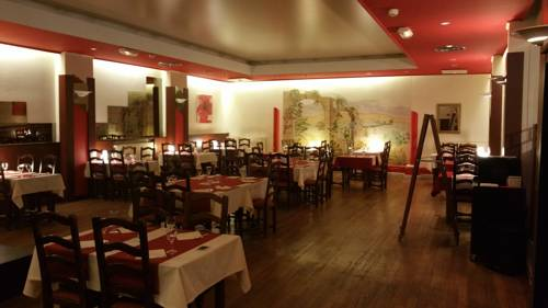 le lutetia : Hotel near Herbeuval