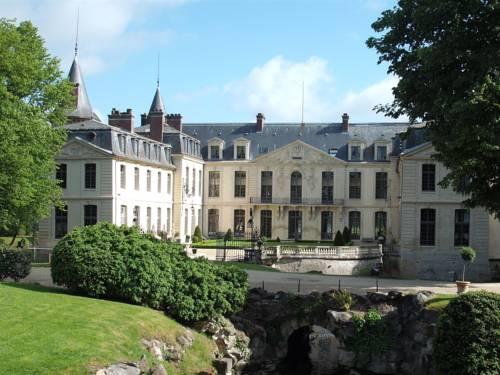 Château d'Ermenonville : Hotel near Othis