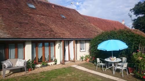 Le Poirier : Guest accommodation near Auverse