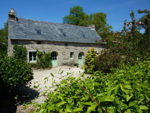 Holiday home Huelgoat : Guest accommodation near Brennilis